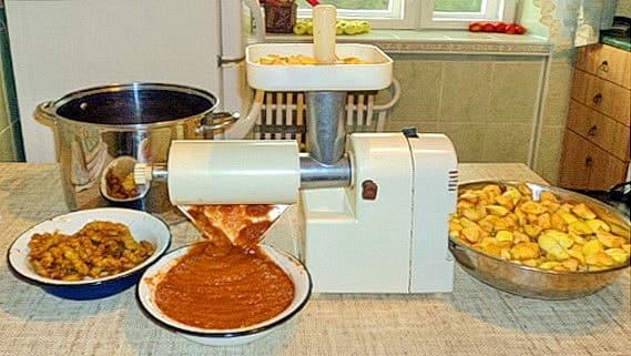 Приготовление пюре с помощью соковыжималки