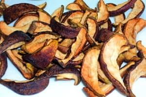Сушеные груши — они, как и свежие, имеют хорошие лечебные свойства и незначительные противопоказания